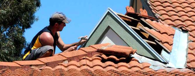 This image shows a Hip/valley dormer in AppliCad Roof Wizard https;//www.applicad.com